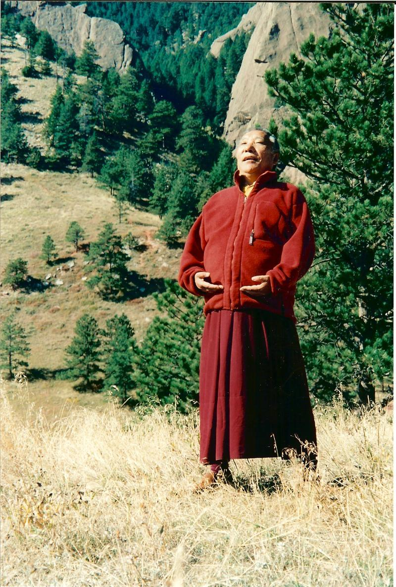 Khenpo Tsultrim Gyamtso Rinpoche  meditation in the mountains